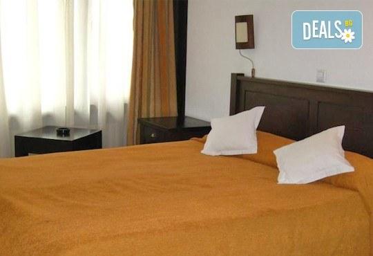 На ски почивка в Синая, в сърцето на Карпатите със Запрянов Травел! 4 нощувки със закуски в хотел Regina 3*, застраховка - Снимка 7