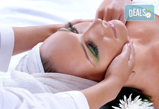 Релаксиращ масаж на цяло тяло с ароматни масла, масаж на лице и деколте и рефлексотерапия в салон Лаура стайл! - Снимка 2