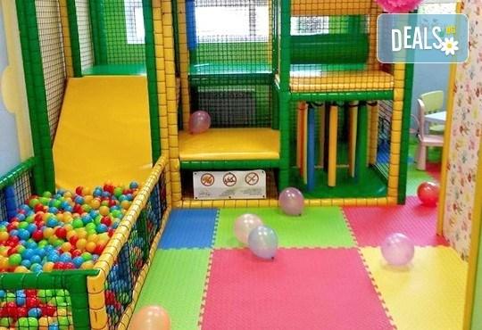 Детски празник за 10 деца! 2 часа парти с украса, малка пица Маргарита, сокче, пуканки и малък подарък за рожденика от Fun House! - Снимка 5