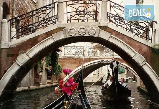 Екскурзия до очарователната Тоскана през март с Дари Травел! 4 нощувки със закуски и 3 вечери в хотели 3*, транспорт със самолет и автобус - Снимка 9