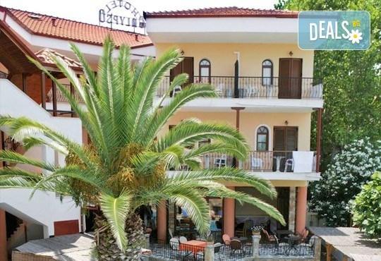 Великденски празници в Гърция, Халкидики! 3 нощувки със закуски и вечери в Calypso Hotel, транспорт и обиколка на Солун! - Снимка 7