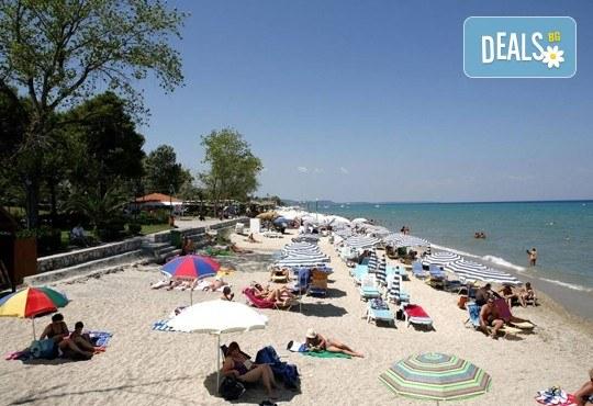 Великденски празници в Гърция, Халкидики! 3 нощувки със закуски и вечери в Calypso Hotel, транспорт и обиколка на Солун! - Снимка 8