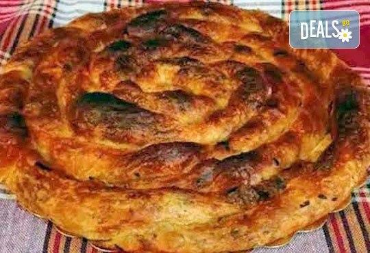 Традиционен зелник! Хапнете 1 или 2 килограма зелник по домашна българска рецепта от Работилница за вкусотии РАВИ! - Снимка 3