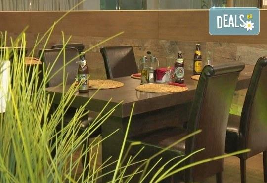 Неустоимо вкусно предложение! Вземете основно ястие и салата по избор в ресторант MFusion, Варна! - Снимка 7