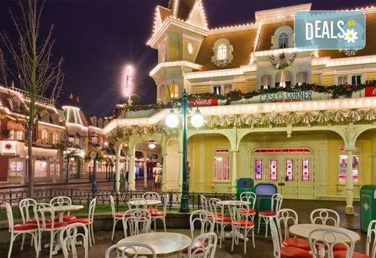 Екскурзия до Дисниленд в Париж за 1 юни! 4 нощувки със закуски в хотел по избор, самолетен билет, летищни такси и трансфери - Снимка 9