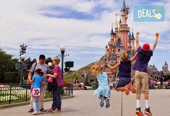 Екскурзия до Дисниленд в Париж за 1 юни! 4 нощувки със закуски в хотел по избор, самолетен билет, летищни такси и трансфери - Снимка 21