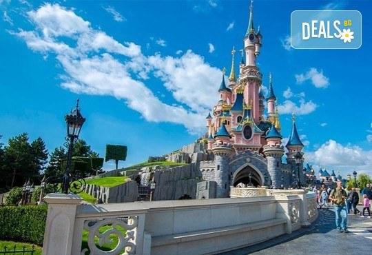 Екскурзия до Дисниленд в Париж за 1 юни! 4 нощувки със закуски в хотел по избор, самолетен билет, летищни такси и трансфери - Снимка 25