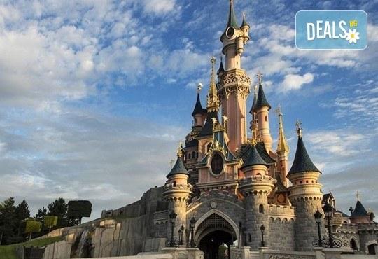 Екскурзия до Дисниленд в Париж за 1 юни! 4 нощувки със закуски в хотел по избор, самолетен билет, летищни такси и трансфери - Снимка 11