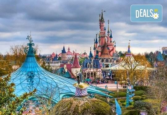 Екскурзия до Дисниленд в Париж за 1 юни! 4 нощувки със закуски в хотел по избор, самолетен билет, летищни такси и трансфери - Снимка 13