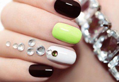 Впечатляващи нокти! Класически маникюр с Gelish или Bluesky и 2 камъчета с елементи на Swarovski в салон за красота Виктория! - Снимка