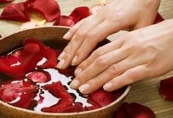 Ново от Студио за красота Galina - парафинова терапия на ръце съчетана с витаминозна терапия за нокти! - Снимка