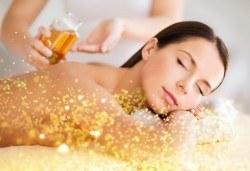 90-минутен СПА пакет - лечебен или кралски масаж на цяло тяло и глава с нано злато и детоксикиращ масаж с мед на гръб, бонус - рефлексотерапия на стъпала - Снимка