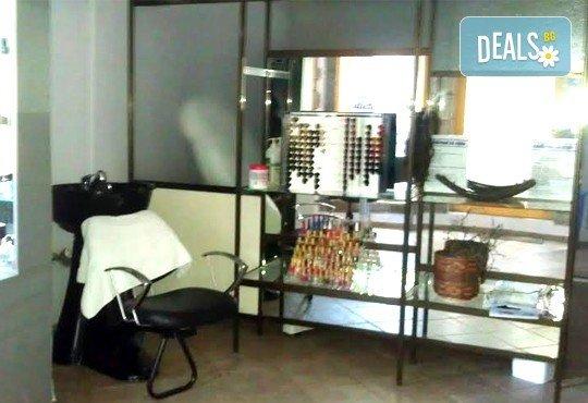 Ноктопластика с удължители, маникюр с гел лак Bluesky за допълнителна издръжливост и 2 авторски декорации от салон за красота Addicted To Style, Варна! - Снимка 5