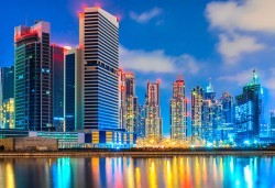 През март в Дубай, ОАЕ: 5 нощувки със закуски, самолетен билет и такси