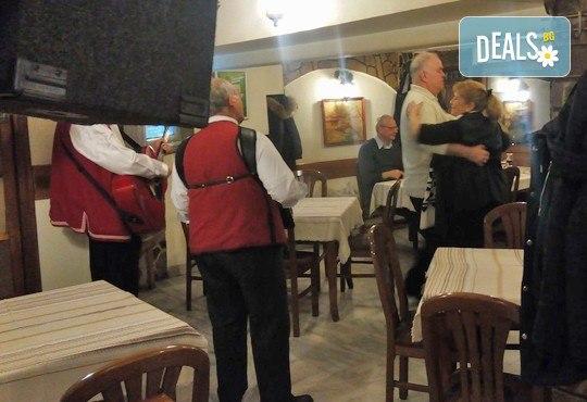 Вълча вечеря за двама 1.500 кг. + фолклорна програма с народен оркестър и DJ в Ресторант-механа Мамбо в центъра на София! - Снимка 5