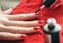 Красиви нокти за дълго време! Маникюр с гел лак Bluesky или Elora и две декорации в салон за красота Калинсим! - Снимка