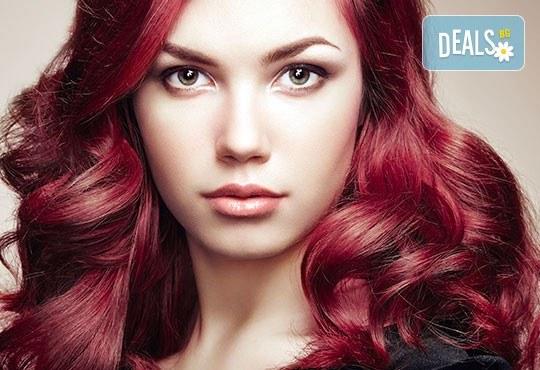 Оставете грижата за косата на професионалистите - боядисване на коса с боя на клиента в салон Госпожица Ножица, Варна - Снимка 1