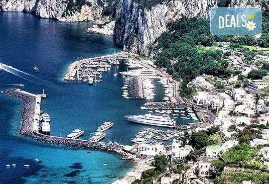 Екскурзия до южна Италия, от Неапол до Алберобелло, с Амадеус 7! 4 нощувки със закуски и вечери в хотел 3*, транспорт и богата програма - Снимка 3