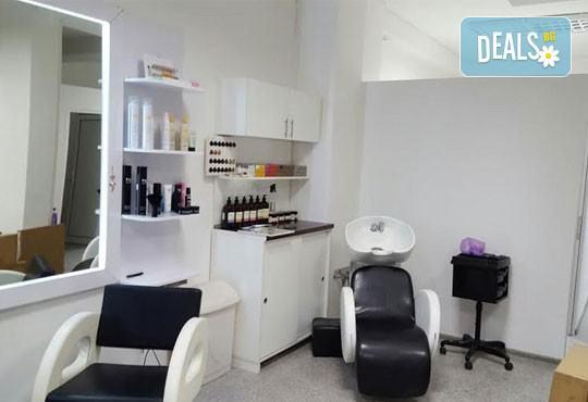 Подстригване, подхранваща терапия според типа коса и оформяне със сешоар в Салон Nails Club до Бизнес парк Младост! - Снимка 6