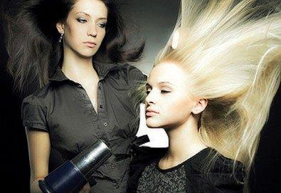 Подстригване, подхранваща терапия според типа коса и оформяне със сешоар в Салон Nails Club до Бизнес парк Младост! - Снимка