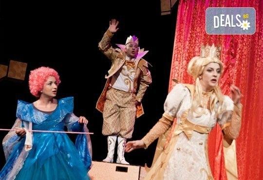 На театър с децата! Спящата красавица в Младежки театър на 04.02. от 11 ч, 1 билет - Снимка 1