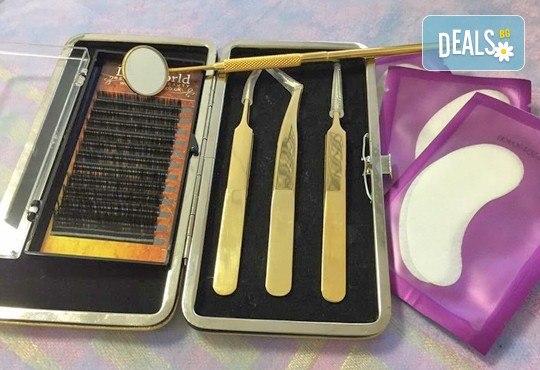 Удължаване и сгъстяване на мигли по метода косъм по косъм или по метода 3D Volume Lashes, Студио за красота Briliant в Студентски град! - Снимка 3