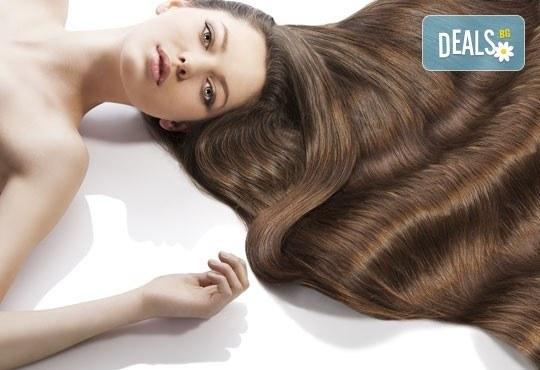 Вдъхнете живот на косата си с терапия по избор, оформяне на прическа със сешоар, стилизиране и обем в салон Sassy! - Снимка 3