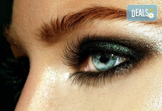Сдобийте се с омагьосващ поглед! Поставяне на копринени мигли косъм по косъм от Ivy's Studio! - Снимка 1