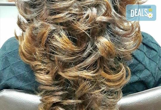 Подстригване и терапия по избор - хидратираща, интензивна или против косопад и подсушаване или сешоар в салон Краси Найл - Снимка 5