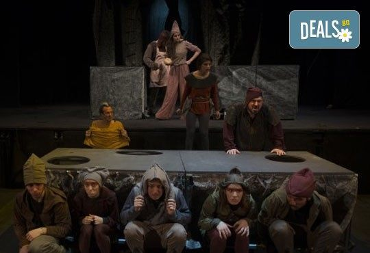 Гледайте с децата! ''Роня, дъщерята на разбойника'' от Астрид Линдгрен, в Театър ''София'' на 04.02. от 11 ч. - билет за двама! - Снимка 5
