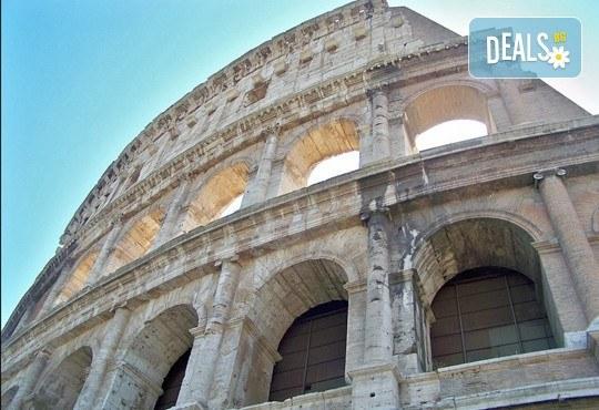 Майски праници в Италия, разгледайте Рим: 3 нощувки със закуски, самолетен билет, летищни такси и трансфери, панорамна обиколка на Рим! - Снимка 2