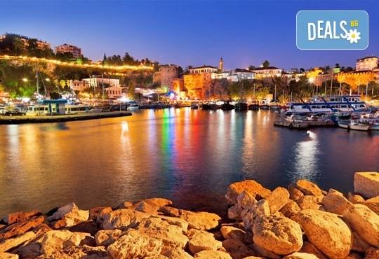 През април и май в Анталия, Турция: 7 нощувки,закуски и вечери, самолетен билет