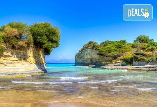 Ранни записвания за море на остров Корфу! 4 нощувки със закуски и вечери в Hotel Albatros 3*, транспорт и водач от агенцията! - Снимка 3