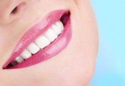 Почистване на зъбен камък, полиране с Air Flow и преглед в Dental Studio Perfect