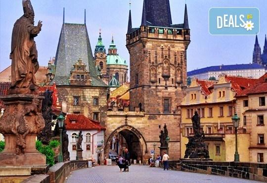 Екскурзия до Златна Прага на дата по избор със Запрянов Травел! 2 нощувки със закуски в хотел 2/3*, транспорт и програма - Снимка 4
