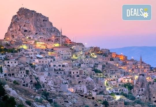 Вижте скалните чудеса и изумителни гледки в Кападокия, Турция! Екскурзия с 4 нощувки, закуски, транспорт, екскурзовод и бонуси! - Снимка 2