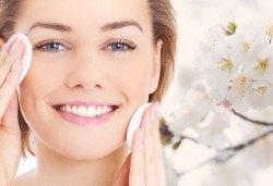 Дълбоко почистване на лице с професионални козметични продукти в MAKRATI Hair and Beauty