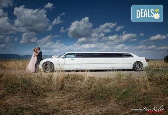 Лукс и класа! 10-часов наем на 10-местна лимузина Крайслер за Вашата сватба, специален ден или фотосесия от San Diego Limousines! - Снимка 4
