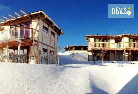 На почивка сред истинската природа през февруари или март! Еко селище Дебели Даб, Стара Кресна - 1 нощувка на човек,безплатен интернет и паркинг! - Снимка 1