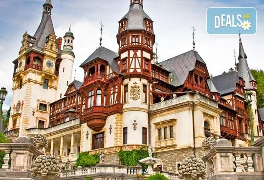 От март до май еднодневна екскурзия до Букурещ и Синая с посещение на замъците Пелеш, Пелишир и замъка на Дракула в Бран, с транспортот Русе! - Снимка 2