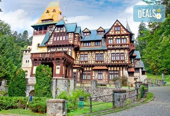 От март до май еднодневна екскурзия до Букурещ и Синая с посещение на замъците Пелеш, Пелишир и замъка на Дракула в Бран, с транспортот Русе! - Снимка 4