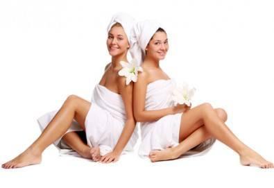 Спа подарък Вашите любими жени! Синхронен релакс масаж за 2 или 3 дами и подарък масаж на лице в Senses Massage & Recreation! - Снимка