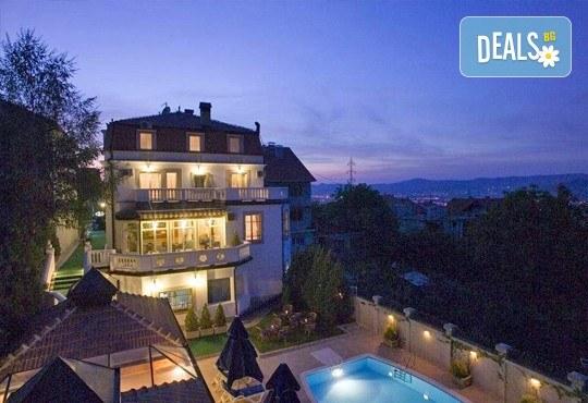Отпразнувайте 3-ти март в хотел Panorama Lux, Ниш! 2 нощувки с 2 закуски и 2 празнични вечери със звездното участие на Марио Китич! - Снимка 7