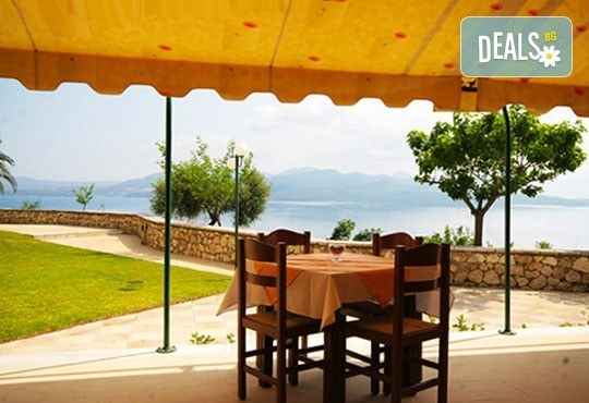 Лятна почивка в сърцето на остров Лефкада - Сънрайз 3*: 5 нощувки със закуски, транспорт и екскурзовод от Дрийм Тур! - Снимка 5