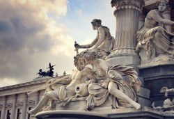 Обиколна екскурзия от март до юли до Венеция, Залцбург, Виена и Будапеща: 4 нощувки със закуски и транспорт от България Травъл! - Снимка