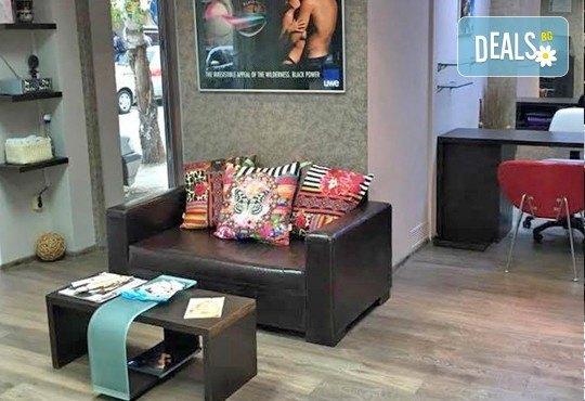 Внесете настроение и цвят с маникюр с гел лак Bluesky с две декорации и безплатно сваляне на стар гел лак в салон Cacao Sun! - Снимка 8