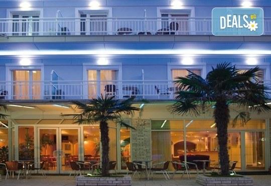 За 3-ти март екскурзия до Солун и Паралия Катерини! 2 нощувки със закуски, екскурзовод и транспорт от Вени травел - Снимка 7