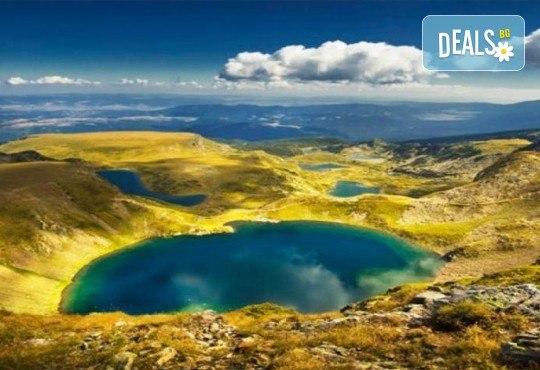 До Седемте рилски езера на дата по избор, с Дари Травел! 1 нощувка със закуска хотел Панорама 2* в Паничище, транспорт и планински водач - Снимка 5