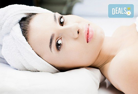 За свежа и сияйна кожа! Диамантено микродермaбразио и хиалуронова терапия с ултразвук + бонус: почистване на вежди в салон Kult Beauty! - Снимка 1