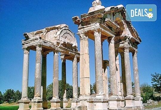Екскурзия до Егейска Турция - по следите на древните цивилизации с Караджъ Турс! 4 нощувки със закуски и вечери в хотели 3*, транспорт и програма - Снимка 4